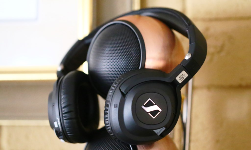 Sennheiser MM 550-X Travelling Headphones Overview
