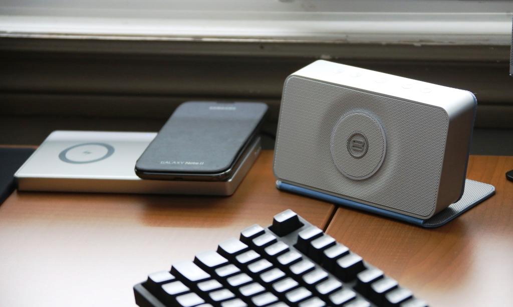 Bayan Audio SoundBook on Desk