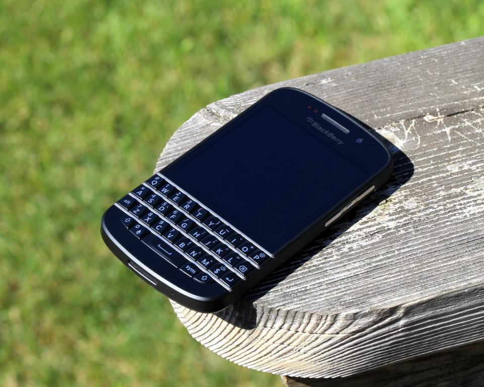 Blackberry Q10 Featured 3