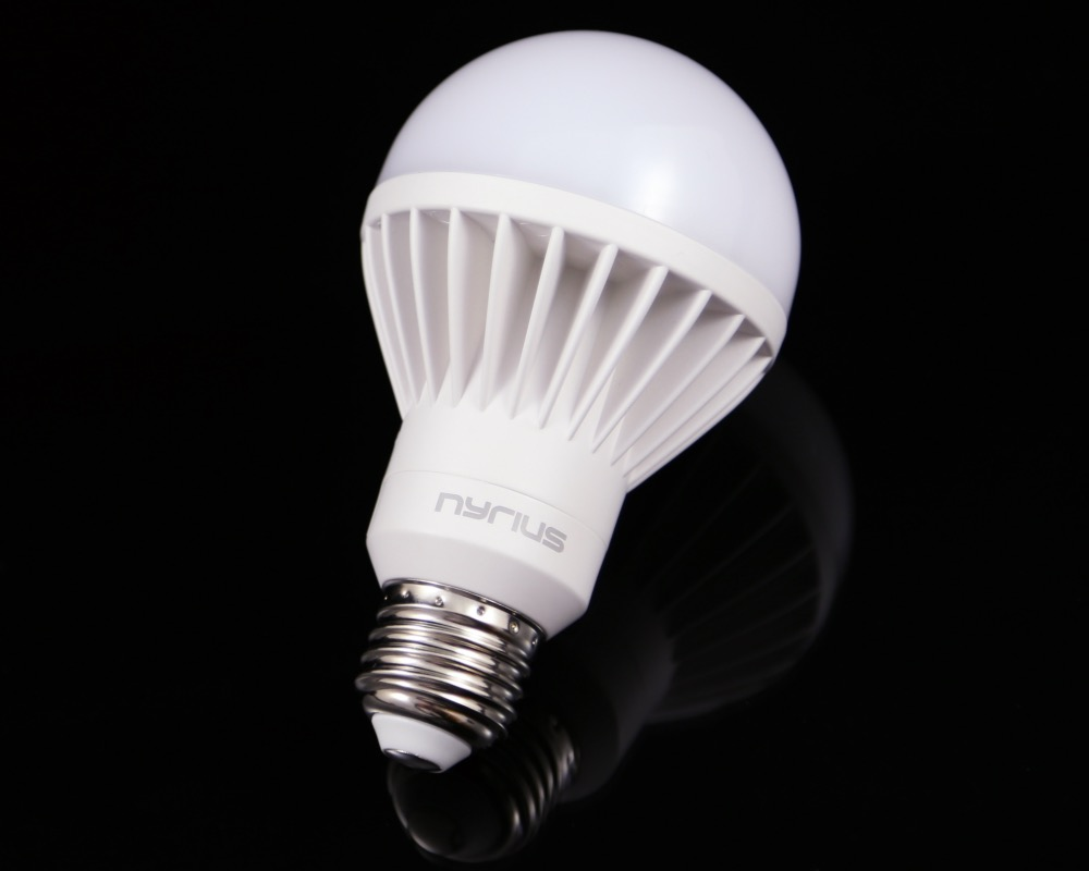 Nyrius Light Bulb and Outlet 5
