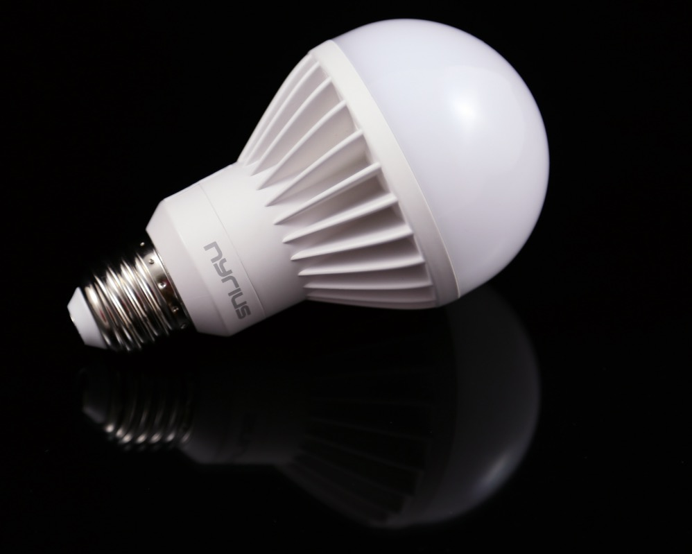 Nyrius Light Bulb and Outlet 6